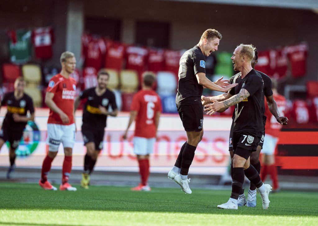 Magnus Kofod Andersen FCN til 0-1 jubler med Mikkel Rygaard  Silkeborg Silkeborg og FCN mødes i  Silkeborg IF og FC Nordsjælland  på Jysk Park i Silkeborg fredag den 28. maj 2020